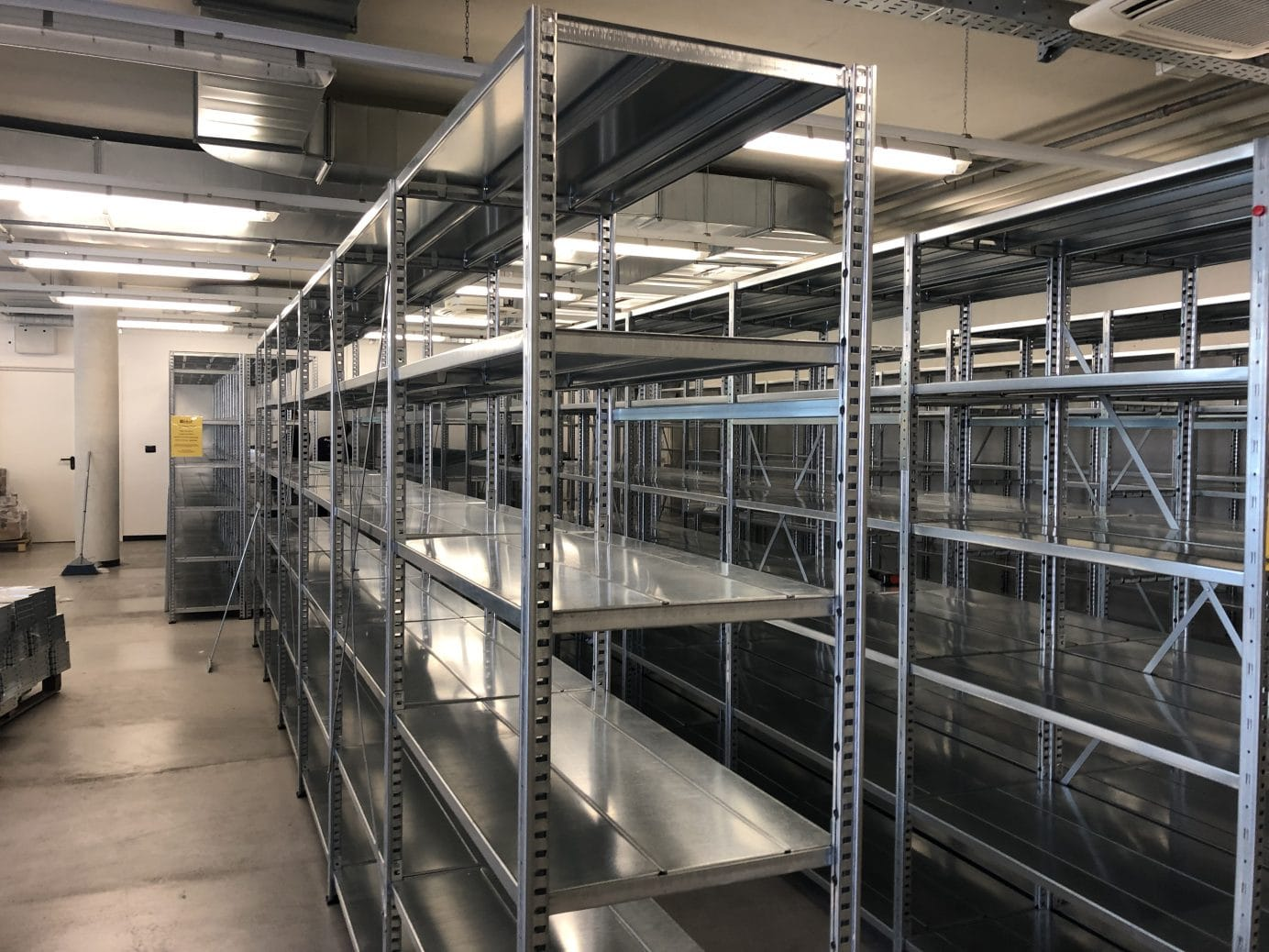 Scaffalature Metalliche Reggio Emilia.Portapallet Scaffalature Metalliche Industriali Emaf