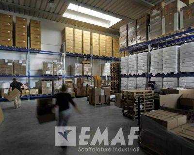 Norme di sicurezza per l'utilizzo di scaffalature metalliche